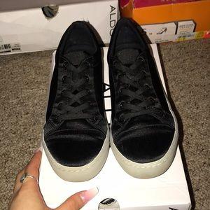 black Aldo sneaker 🖤